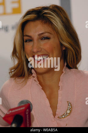 Jennifer Esposito attends the press conference for 'Crash' at the Four Seasons Hotel during the Toronto International Film Festival September 11, 2004  in Toronto, Canada. (UPI Photo/Christine Chew) - Stock Photo
