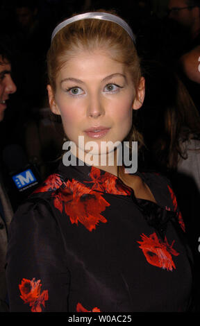 Rosamund Pike arrives for the Toronto International Film Festival world premiere of 'Pride & Prejudice' at Roy Thomson Hall in Toronto, Canada on September 11, 2005. (UPI Photo/Christine Chew) - Stock Photo