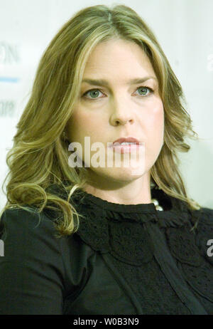 Local jazz diva Diana Krall (R) and sister Michelle talk to