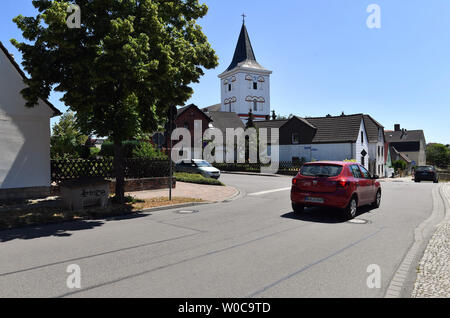 27 June 2019, Saxony-Anhalt, Bad Dürrenberg: The vicarage in Bad Dürrenberg. The terrorist attacks in Paris shocked the world in November 2015. Terrorists of the Islamic State carried out a massacre in the concert hall 'Bataclan'. Now a suspect has been arrested in Saxony-Anhalt. (to dpa 'Terror suspect arrested from Paris in East Germany') Photo: Hendrik Schmidt/dpa-Zentralbild/dpa - Stock Photo