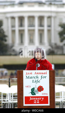 Nellie Gray, President of the March for Life Fund, addresses thousands of protestors assembled near the White House to march against abortion rights on January 22, 2004, in Washington. This is the 31st annual march held on the anniversary of the Supreme Court decision Roe vs. Wade which legalized abortions across the U.S.   (UPI Photo/Roger L. Wollenberg) - Stock Photo
