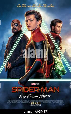 SPIDER-MAN: FAR FROM HOME 2019 de Jon Watts affiche allemande Tom Holland. super heros; super hero; spiderman; spider-man; spider man d'apres la bande - Stock Photo