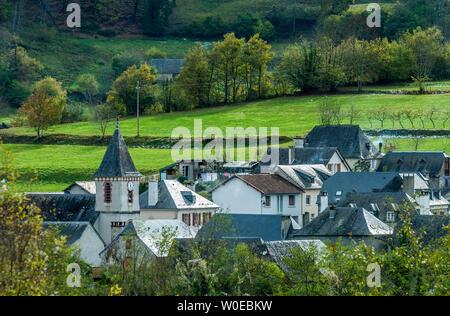 France, Pyrénées National Park, Val d'Azun, Bun village - Stock Photo