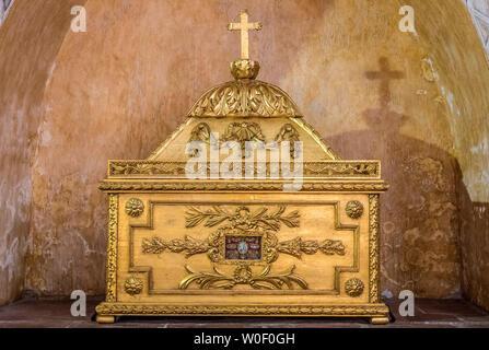 France, Tarn-et-Garonne, Saint Pierre de Moissac abbey (Saint James way), Reliquary - Stock Photo