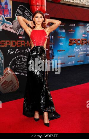 Hollywood, CA. 26th June, 2019. Zendaya at arrivals for SPIDER-MAN FAR FROM HOME Premiere, TCL Chinese Theatre, Hollywood, CA June 26, 2019. Credit: Priscilla Grant/Everett Collection/Alamy Live News - Stock Photo