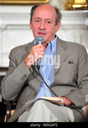 Billy Collins speaks to students from around the country at a White House poetry, music and arts workshop held by First Lady Michelle Obama at the White House in Washington on May 11, 2011. - Stock Photo