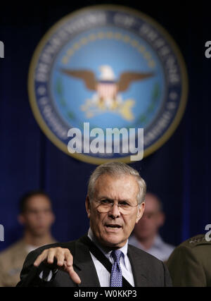 U.S. Defense Secretary Donald Rumsfeld speaks at the Pentagon Town Hall meeting in Washington, September 22, 2006.  (UPI Photo/Yuri Gripas) - Stock Photo