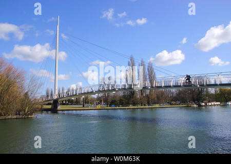Christchurch Bridge over River Thames Reading Berkshire - Stock Photo