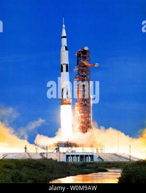 Apollo 15 launches on July 26, 1971. Apollo 15 launched 35 years ago today on July 26, 1971, at 9:34 a.m. EDT from the Kennedy Space Center. Alfred Worden was the mission's command module pilot.  (UPI Photo/NASA) - Stock Photo