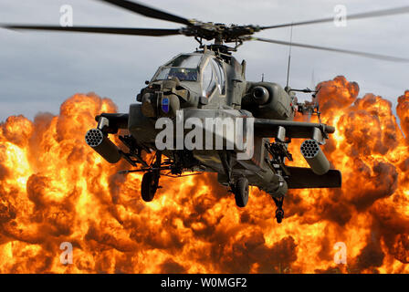 A South Carolina Army National Guard AH-64D Apache Longbow lands during the Combined Arms Demonstration during the South Carolina National Guard Air & Ground Expo 2009 at McEntire Joint National Guard Base in Eastover, South Carolina on October 10, 2009. UPI/Roberto Di Giovine/U.S. Army Stock Photo