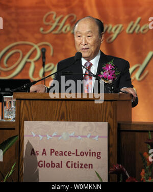 Unification Church founder Reverend Sun Myung Moon (C), seen in this October 1, 2009 file photo addressing a banquet in his honor in Arlington, Virginia, has died today at the age of 92, September 2, 2012. The religious leader died Sunday at a hospital near his home in Gapyeong, north east of Seoul, South Korea.  UPI/Roger Wollenberg/File Photo - Stock Photo