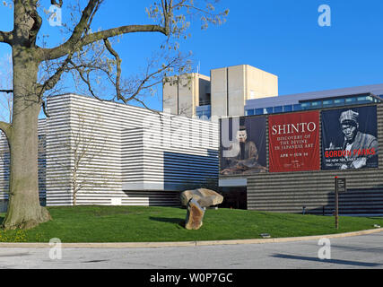 The Cleveland Museum of Art in the Wade Park District of Cleveland, Ohio, USA. - Stock Photo