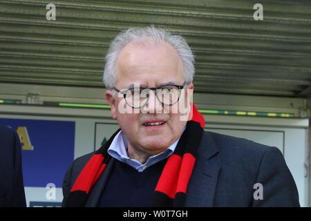 Präsident / Praesident Fritz Keller (Freiburg),,     1. BL: 17-18 -29. Spieltag - SC Freiburg vs VfL Wolfsburg - Stock Photo