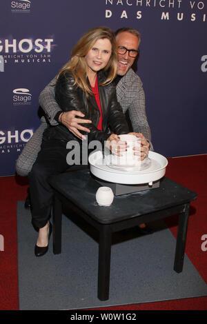 Michaela Schaffrath, Nik Breidenbach, Premiere Ghost, Operettenhaus Hamburg, 28.10.2018 - Stock Photo