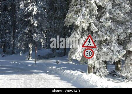 Fahrstraße am Feldberg,   Winterimpressionen aus der Feldberg-Region - Stock Photo
