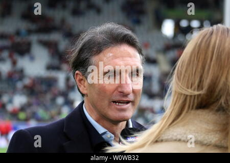Trainer Bruno Labbadia (VfL Wolfsburg) im Interview mit SKY-Reporterin Jessica Libbertz,   1. BL: 18-19: 21. Sptg. -  SC Freiburg vs. VfL Wolfsburg  DFL REGULATIONS PROHIBIT ANY USE OF PHOTOGRAPHS AS IMAGE SEQUENCES AND/OR QUASI-VIDEO  Foto: Joachim Hahne/johapress - Stock Photo