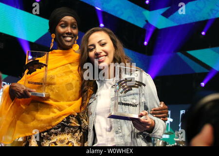 v.li. Sonderpreis 2018, Fatuma Musa Afrah und Künstlerin National 2018, Namika beim Radio Regenbogen Award Rust 2019 - Stock Photo