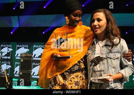 Sonderpreis 2018, Fatuma Musa Afrah und Künstlerin National 2018, Namika beim Radio Regenbogen Award Rust 2019 - Stock Photo