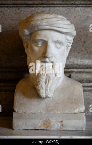 Rome. Italy. Portrait bust of ancient Greek philosopher and mathematician Pythagoras of Samos (ca. 570-ca. 495 BC) in the Hall of the Philosophers, Ca - Stock Photo