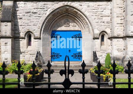 Killearn Kirk, blue church doors, Killearn, Stirlingshire, Scotland, UK - Stock Photo