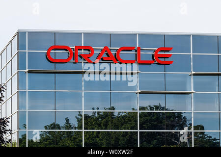 Deerfield - Circa June 2019: Oracle Corporation location. Oracle offers technology and cloud based solutions II - Stock Photo
