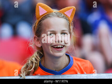 Valenciennes, France. 29th June, 2019. A supporter of the Netherlands reacts before the quarterfinal between Italy and the Netherlands at the 2019 FIFA Women's World Cup in Valenciennes, France, June 29, 2019. Credit: Shan Yuqi/Xinhua/Alamy Live News - Stock Photo