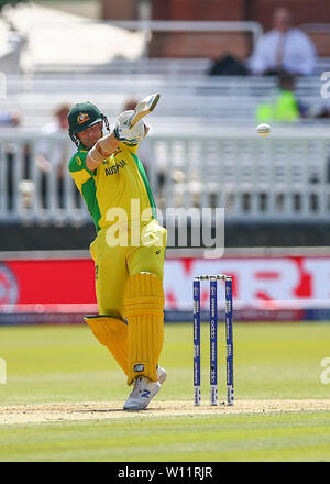 London, UK. 29th June 2019, Lords Cricket Ground, London, England, UK. ICC World Cup Cricket, New Zealand versus Australia; Steve Smith of Australia pulls the ball and is caught by Martin Guptill of New Zealand for 5 runs making it 46-3 in the 11th over Credit: Action Plus Sports Images/Alamy Live News - Stock Photo