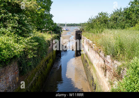 Salterns Lock, Chichester Ship Canal, Chichester Harbour, West Sussex, UK. - Stock Photo