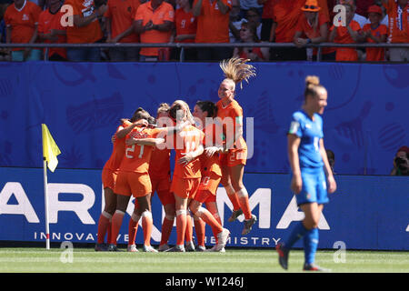 Valenciennes, France. 29th June, 2019. Players of the Netherlands celebrate their goal during the quarterfinal between Italy and the Netherlands at the 2019 FIFA Women's World Cup in Valenciennes, France, June 29, 2019. Credit: Zheng Huansong/Xinhua/Alamy Live News - Stock Photo
