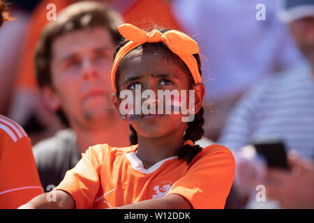 Valenciennes, France. 29th June, 2019. Supporters (Holland) during the FIFA Women's World Cup France 2019 Quarter-final match between Italy 0-2 Netherlands at Hainaut Stadium in Valenciennes, France, June29, 2019. Credit: Maurizio Borsari/AFLO/Alamy Live News - Stock Photo