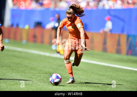 Valenciennes, Frankreich. 29th June, 2019. 29.06.2019, Valenciennes (France), Football, FIFA Women's World Cup 2019, Quarterfinals Italy - Netherlands, FIFA REGULATIONS PROHIBIT ANY USE OF PHOTOGRAPHS AS IMAGE SEQUENCES AND/OR QUASI VIDEO, | usage worldwide Credit: dpa/Alamy Live News - Stock Photo