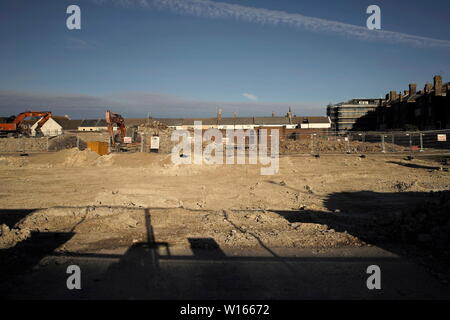 AJAXNETPHOTO. 2017. WORTHING, ENGLAND. - MGM HOUSE - ALL GONE - THE SITE WHERE MARINE AND GENERAL MUTUAL ASSURANCE (MGM) HEAD OFFICE BUILDING IN HEENE ROAD ONCE STOOD,  DEMOLISHED TO MAKE WAY FOR NEW RETIREMENT HOUSING APARTMENT BLOCKS. PHOTO:JONATHAN EASTLAND/AJAX REF:DP182706 104 - Stock Photo
