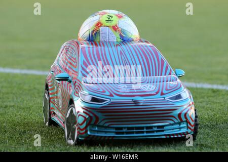 Udine, Italien. 30th June, 2019. firo: 30.06.2019, Football, International, UEFA U21 European Championship 2019, Final, Germany - Spain, VW, Car, Ball, Depositors, Feauture, General, | usage worldwide Credit: dpa/Alamy Live News - Stock Photo