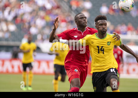 Philadelphia, Pennsylvania, USA. 30th June, 2019. SHAUN FRANCIS (14) fights for the ball during the match the match in Philadelphia PA Credit: Ricky Fitchett/ZUMA Wire/Alamy Live News - Stock Photo