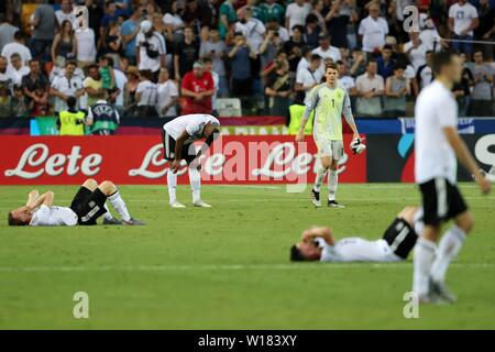 Udine, Italien. 30th June, 2019. firo: 30.06.2019, Football, International, UEFA U21 European Championship 2019, Final, Germany - Spain, Germany, Germany, DFB, GER, full figure, disappointment, | usage worldwide Credit: dpa/Alamy Live News - Stock Photo