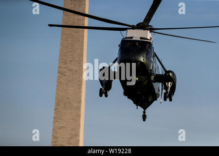 Washington DC, USA. 30th June, 2019. Marine One, with United States President Donald J. Trump aboard, arrives on the South Lawn of the White House on June 30, 2019 in Washington, DC. as the President returns to from South Korea. Credit: MediaPunch Inc/Alamy Live News - Stock Photo