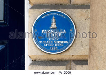 Close up image of The Trust For Devizes blue plaque for Parnella House c 1740. W Clare surgeon lived here 1825, Devizes, Wiltshire, England, UK - Stock Photo