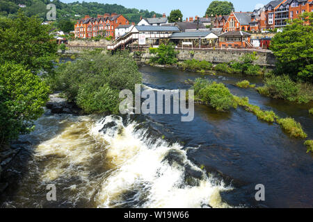 Wales,  Denbighshire, Llangollen. railway station & River Dee - Stock Photo