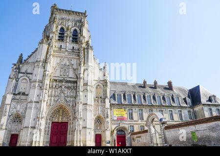 Saint-Riquier Baie de Somme Abbey Church, Saint-Riquier, Somme, Hauts-de-France, France - Stock Photo