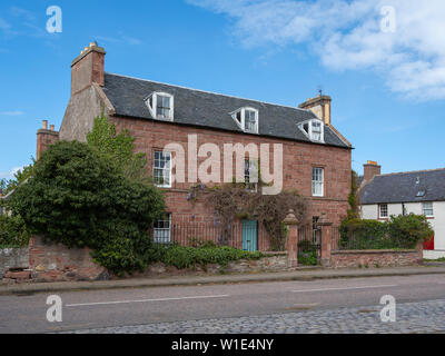 Traditional house with wisteria in Cromarty on the Black Isle, Highland, Scotland - Stock Photo