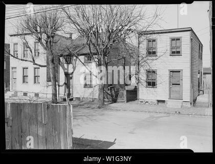 Lancaster, Pennsylvania - Housing. Low-priced houses - silk and linoleum workers - rental below $20.00 - Stock Photo