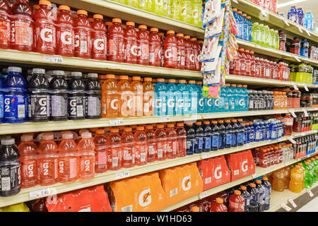 Fort Lauderdale Ft. Florida Winn-Dixie grocery store supermarket packaging product display competition Gatorade G2 sports drink - Stock Photo