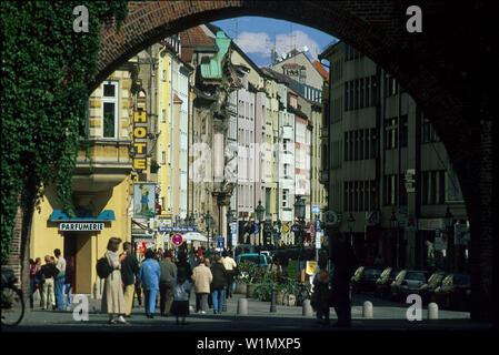 Blick durch Sendlinger Tor, Sendlinger Strasse, Muenchen Bayern, Deutschland - Stock Photo
