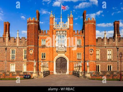 Hampton Court Palace, Richmond, London, Surrey, England, UK. - Stock Photo