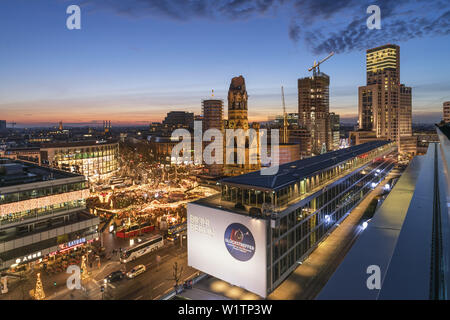 City West, Bikini Shopping Center, Christmas market, Breitscheidplatz, Kaiser Wilhelm Memorial Church, Waldorf Astiroa Hotel, Berlin - Stock Photo
