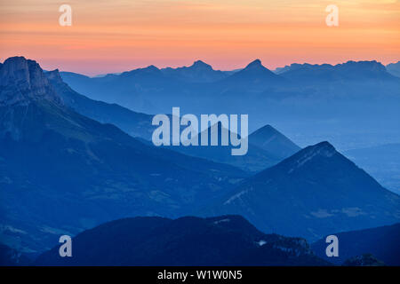 Dawn over mouche role and the mountains of the Parc Naturel Régional de Chartreuse, from the Grand Veymont, Vercors, Dauphine, Dauphine, Isère, France - Stock Photo