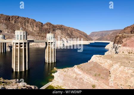Hoover dam and lake Mead, Arizona, USA - Stock Photo