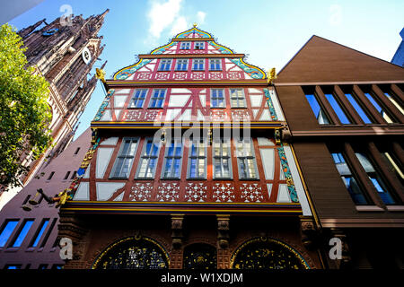 21.10.2018, Frankfurt am Main, Hesse, Germany - Frankfurt Cathedral, the reconstructed House of the Golden Balance and the Haus Weisser Bock in the Ne - Stock Photo