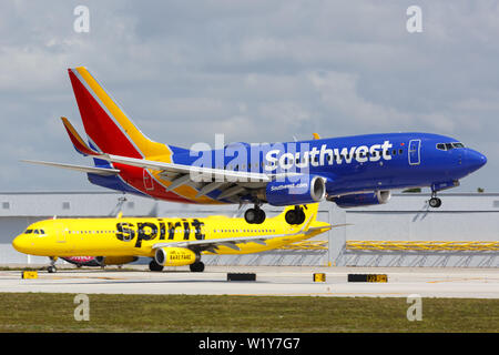 Fort Lauderdale, United States – April 6, 2019: Southwest Airlines Boeing 737-700 airplane at Fort Lauderdale airport (FLL) in the United States. - Stock Photo