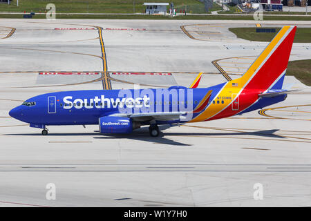 Fort Lauderdale, Florida – April 6, 2019: Southwest Airlines Boeing 737-700 airplane at Fort Lauderdale airport (FLL) in the United States. - Stock Photo